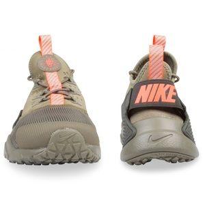 bdd15ec527d1 Nike Shoes - OLIVE GREEN NIKE HUARACHE DRIFT GS (Kids Size 8 W)